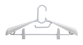 Pack of 2 clothes hangers with shoulder pads.